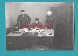 Photo Ancienne - DIEPPE - Bureau Des PFAT - Officiers à Identifier - Personnel Féminin De L´ Armée De Terre - War, Military