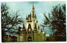 Walt Disney World - Cinderella Castel - Fantasyland
