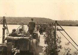 WW2 PHOTO ORIGINALE Soldat Allemand Traversent La LOIRE Pont Génie à BRIARE  Près Montargis Gien Orléans LOIRET 45 - 1939-45
