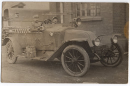 Carte-photo - 1919 - Strasbourg - 2 Soldats Dans Une RENAULT Type EU - ( Torpedo ) - Militaria