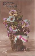 Carte Postale Ancienne Fantaisie - Bonne Année - Bouquet De Pensées Patriotique - Nouvel An