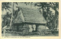 Une Case De Catéchistes Aux Iles FIDJI - Océanie - - Wallis-Et-Futuna