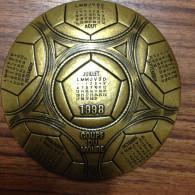"COUPE DU MONDE 1998   "" MONNAIE DE PARIS ""  FOOTBALL  FOOT FUSSBALL CALENDRIER KALENDER"