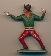 Figurine STARLUX (France) : Cow-boy Tirant Avec Son Revolver, Far-West... - Starlux