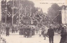 CPA Du 14 Juillet 1919 @ Pyramide De Canons Boches - Trophées De Guerre - Guerre 1914-18
