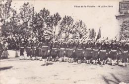 CPA Du 14 Juillet 1919 @ Les Américains Défilent Devant L'Arc De Triomphe Aux Champs Elysées - Fêtes De La Victoire - Guerre 1914-18