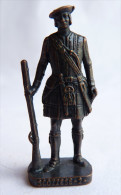 FIGURINE KINDER  METAL SOLDAT ECOSSAIS 1743  2 RP FUSILLIER 80�s Bruni - KRIEGER SCHOTTEN Dudelsackpfeifer
