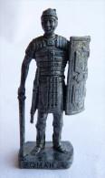 FIGURINE KINDER  METAL SOLDAT ROMAIN 100 � 300 ap JC  4 SCAME LEGIONNAIRE 80�s Fer - KRIEGER R�MER L�gion�r