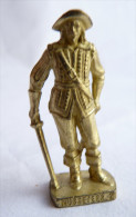 FIGURINE KINDER  METAL SOLDAT MOUSQUETAIRE FRANCAIS  2 Scame 80�s Or - KRIEGER Franz�sische Musketiere 1670