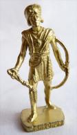 FIGURINE KINDER  METAL  INDIEN II - 2 TAHROHON OR - KRIEGER Ber�mmte Indianer-H�uptlinge