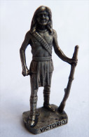 FIGURINE KINDER  METAL  INDIEN II - 8 VICTORIO VIEL ARGENT - KRIEGER Ber�mmte Indianer-H�uptlinge