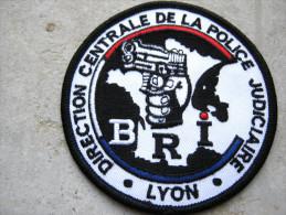 INSIGNE TISSUS PATCH  POLICE NATIONALE LA BRI DE LYON DCPJ ETAT EXCELLENT