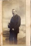 Photo Homme Collée Sur Fort Carton    (PH 220) - Personnes Anonymes