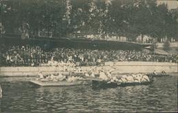 LUTTE - Joutes Traditionnelles Sur Barques, équipes En Beaux Costumes Blancs! - Lutte