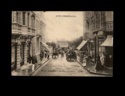 35 - DINARD - La Rue Du Casino - 2752 - Dinard