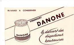 -  BUVARD  Yoghourt DANONE - 742 - Leche