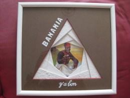 """Encadrement De Carte """" BANANIA""""  Dans Tableau  & - Other Collections"""