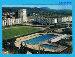 BAGNOLS-sur-CEZE (Gard) VUE GÉNÉRALE DE LA PISCINE. - Bagnols-sur-Cèze