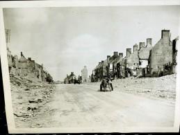 Photo PRESS Liberation DEBARQUEMENT 1944 PONT L ABBE MANCHE 50 RUINES  BATAILLE DE  NORMANDIE - Guerre, Militaire