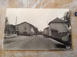 Gillonnay Le Centre Cpsm - Autres Communes