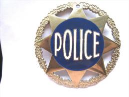ANCIEN INSIGNE POLICE NATIONALE PLAQUE NUMEROTEE (A TIGES A VIS) ARTHUS BERTRAND PARIS  EXCELLENT �TAT