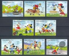 Myu596 WALT DISNEY DONALD GOOFY MICKEY SPORTS RUGBY FOOTBALL CRICHET HORSE RACE TENNIS CURLING EXPO MALDIVES 1990 PF/MNH - Disney