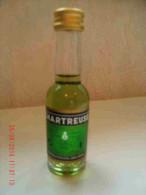 Alcool Mignonnette Pleine Chartreuse Verte Bouteille Verre 3 Cl Chartreux Voiron - Mignonnettes