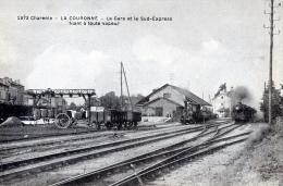 C123 Cpa 16 La Couronne - La Gare Et Le Sud Express Filant à Toute Vapeur - France