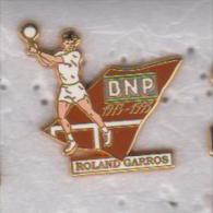 Pin's ROLAND GARROS BNP Signé ARTHUS BERTRAND - Tennis