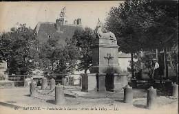 CARTE POSTALE ORIGINALE ANCIENNE : SAVERNE ; FONTAINE DE LA LICORNE ; ANIMEE ; BAS RHIN (67) - Saverne