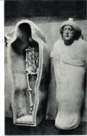 POSTAL   ARTE  FENICIO  SARCÓFAGO ANTROPOIDE  - MUSEO ARQUEOLÓGICO -CADIZ - Museos