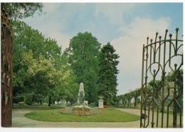 PARTHENAY -  Le Jardin Public - Parthenay