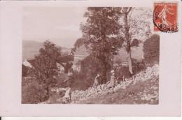 Carte Postale Photo De SOMBERNON (Côte D'Or) Vue Du Village Avec Enfants Et église - VOIR 2 SCANS - - Altri Comuni