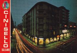 Cartolina CINISELLO BALSAMO (Milano) - Via Libertà Ang. Via Carducci / UPIM - Cinisello Balsamo