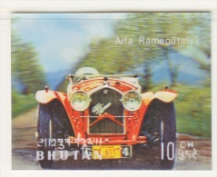 BHUTAN  128 B   *  3  D  STAMP    ANTIQUE  CAR  ALFA  ROMERO - Holograms