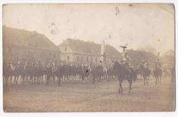 Carte Photo Occupation En 1920  - Pologne - Pless - Revue Militaires Français & Général Italien, Place , Monument Mo - Guerre 1914-18