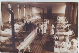 MILITARIA . CARTE PHOTO . GUERRE 1914.1918. SOLDATS BLESSES AVEC INFIRMIERES . HOPITAL . LA BASOCHE GOUÊT . MEDECIN - Guerre 1914-18