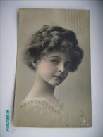 LITTLE  GIRL  FILLETTE  10 , OLD POSTCARD , 0 - Portretten