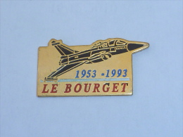Pin's AVION RAFALE, LE BOURGET - Airplanes