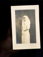 Carte Photo : Jeune Femme Infirmière Young Nurse Photographe Biofix L Baldomar 23 Bd Poissonnière PARIS - Fotografía