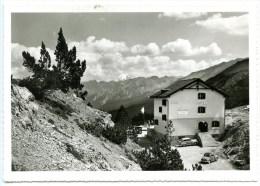 Süsom Give. Tschiers, Hotel, Ofenpasshöhe, Bündner-Spezialitäten,Pass Dal Fuorm, Oldtimer, Grass, Zernez - GR Grisons