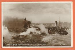 JAA-07 Fishing Boats Entering Harbour, GT. Yarmouth (BB). Used In 1934 - Pêche