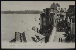 Dinard La Grande Rue à La Sortie De La Cale - Dinard