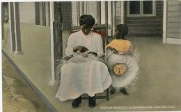 Panama City Woman Weaving A Panama Hat Tisseuse De Chapeau Panama A Panama - Panama