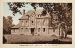 76 Fresne Le Plan. Le Chateau - France