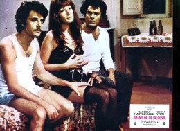 Photo Du Film : Drame De La Jalousie De Ettore Scola Avec Marcello Mastroianni, Monica Vitti - Affiches & Posters