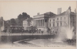 Cpa,le Palais De Justice De Tour,arrivée Du Tram,la Place Et Les Jets D´eau,rare,indre Et Loire ,1920,37,indre Et Loire