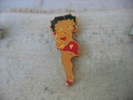 Pin´s Pin Up, Betty Boop En Robe Rouge - Pin-ups