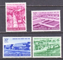 GUINEA  328+    **   WATER  PIPE  LINE - Guinea (1958-...)