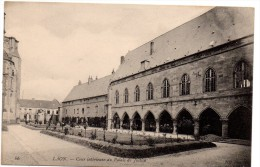 CP, 02, LAON, Cour Intérieur Du Palais Dee Justice, Vierge - Laon